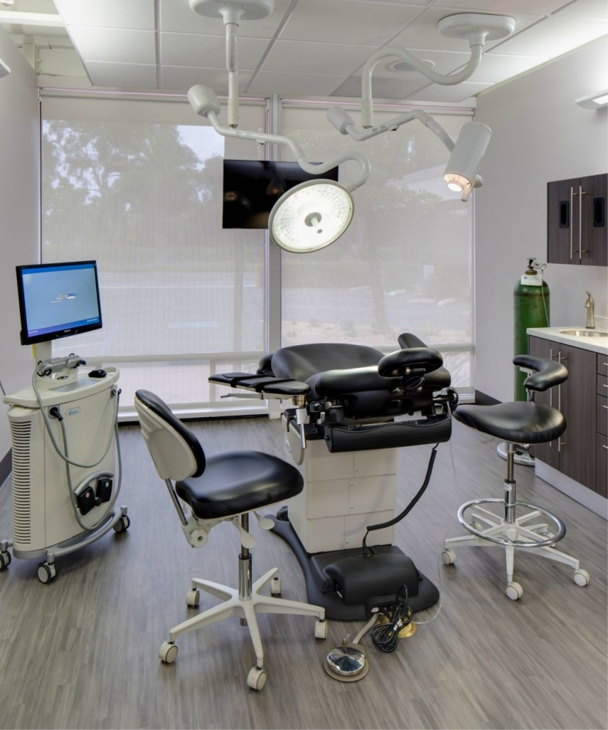 San Diego Dental Implant Office_DR_MUNROE.jpg